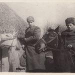 Гвардии майор Худяков А. Т. и гвардии капитан Иванов С. А.