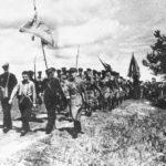Заводские (авиационный) работники - бойцы народного ополчения на военных занятиях. 1941.